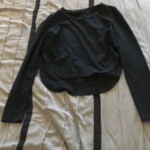 Tops - Black long sleeve crop t shirt